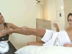 Lesbian strapon video