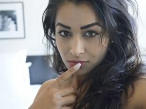 bollywood actress sexy ass view