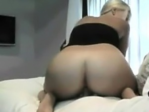 nude young webcam strips