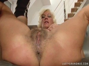anal grannie galleries