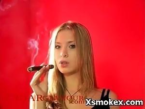 smoking hot blonde sex video