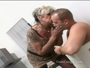 free milf facial cum shot videos
