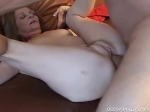 milf cougar group sex