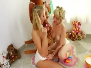 teen diapers videos