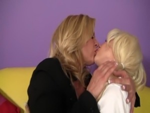 older girl seducing young blonde