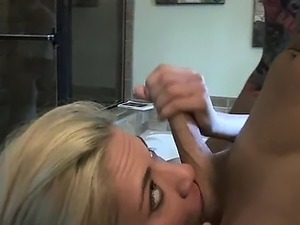 Girl masturbates in bathroom