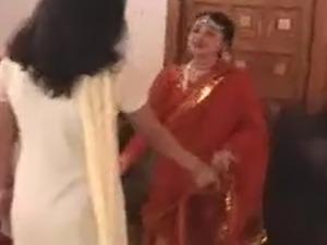 sexy babes saree stripping