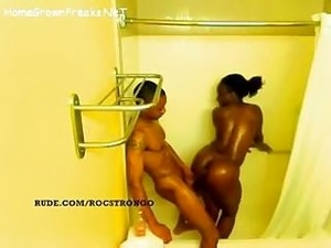 teens girls showering