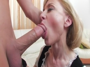 screwing the indian mature maid pussy