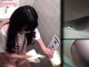 girls pissing on toilet videos