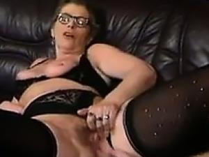 free mature lesbian sex video