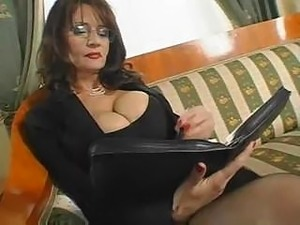 secretary is showing her pussy
