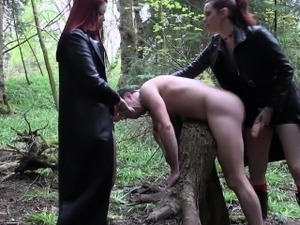 hot goth girl having sex