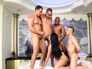 xxx shemale goess big dick