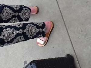 naked sexy girl feet