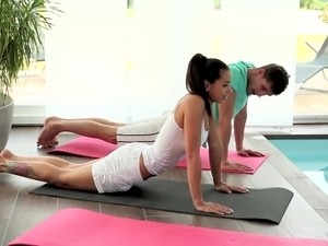 naked yoga for girls