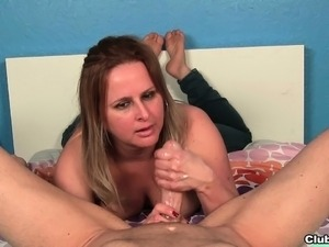 Latina cumshot and blowjob