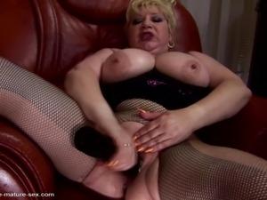 Cum on girls feet