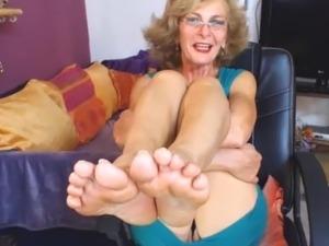 supersexy ebony female feet