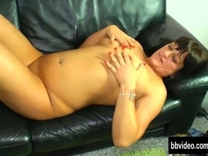 busty japanese girl on hieen canm