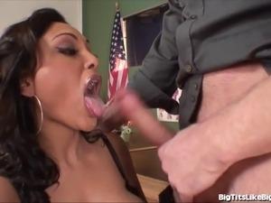 teacher eats her pussy