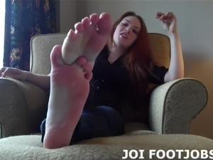 pics of mature women giving footjobs