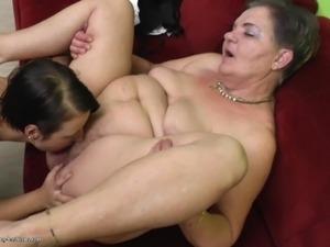 mature lesbian nina