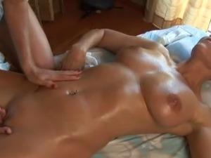 Massage lesbian videos
