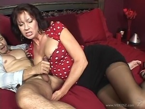 shaved pussy in nylon stockings