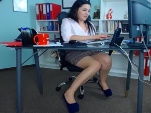 hot milf julia fuck video office