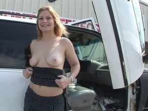 solo brunettes pussy thumbs