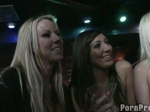 drunk girls suck