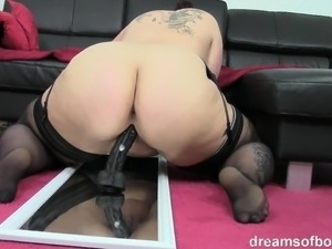 girl rideing a sex machiene