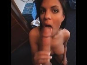 wife sucks pussy from girlfriend