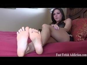 Teen big feet