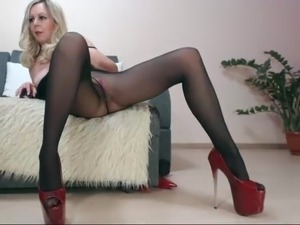 shemale pantyhose thumbs movies gallery