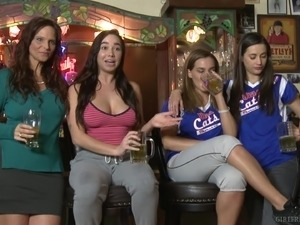 sexy cheerleaders tits