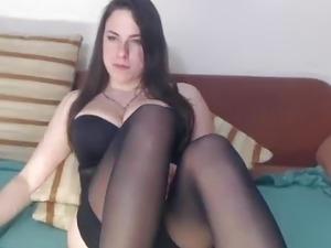 Natural tits bouncing