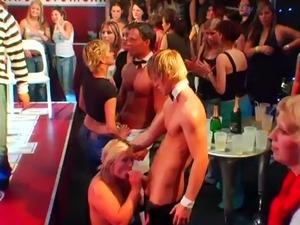 naked brunettes video masterbating