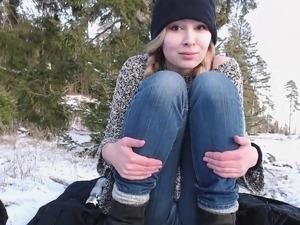 xxx teen pissing outdoor videos