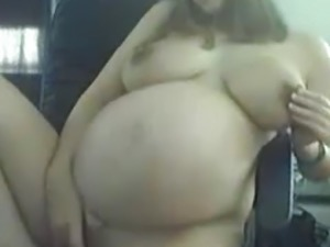spread pregnant pussy