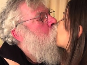 Old man fucking a girl