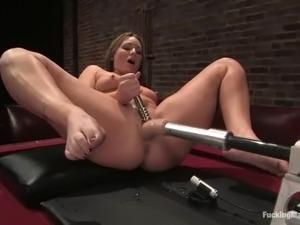 girls fuck machine videos