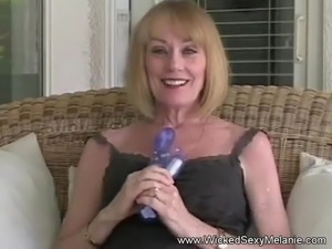 free blonde milf in pantyhose movies