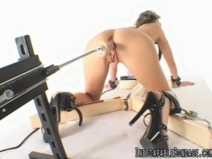 girls riding sex machine