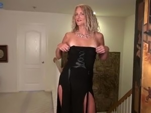 amateur busty house wife