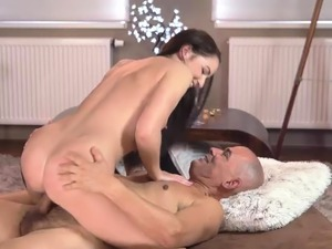 virgin girl first time fuck