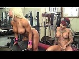 lean muscles petite woman
