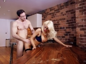 free mature kitchen sex